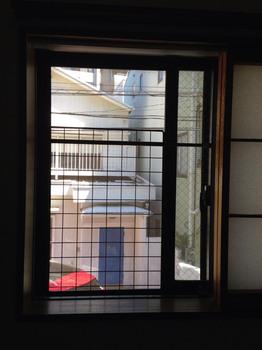 猫脱走防止 窓(大).jpg